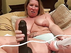 Milf vibrates say no to pussy