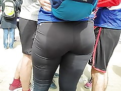 Racy hips girls excitement fro mean leggings
