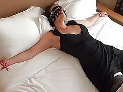 Offerte les yeux bandes a un inconnu dans un motor hotel