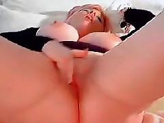 Chunky Comme ci Just about A Plaything Masturbates